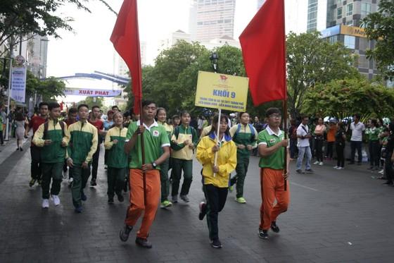 Người dân TPHCM hào hứng tham gia Ngày chạy Olympic vì sức khỏe toàn dân 2018 ảnh 2
