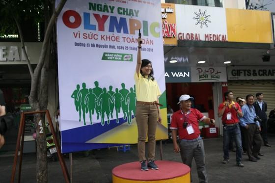 Người dân TPHCM hào hứng tham gia Ngày chạy Olympic vì sức khỏe toàn dân 2018 ảnh 3