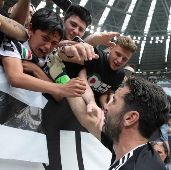 Chia tay Gianluigi Buffon, Juve giành Scudetto thứ 7 liên tiếp ảnh 7