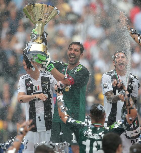 Chia tay Gianluigi Buffon, Juve giành Scudetto thứ 7 liên tiếp ảnh 10