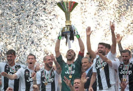 Chia tay Gianluigi Buffon, Juve giành Scudetto thứ 7 liên tiếp ảnh 11