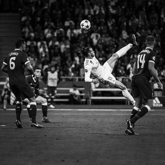 Bale tỏa sáng giúp Kền Kền lập kỷ lục vô địch ảnh 1