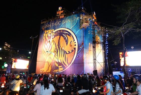 Bức tường Tiger tại Cần Thơ cán mốc 100.000 người tham gia ảnh 1
