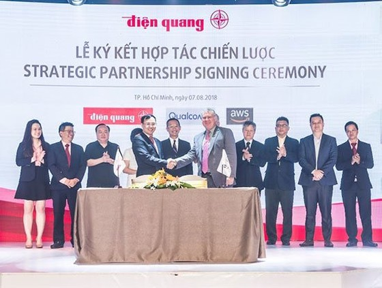 Điện Quang cũng ký kết thỏa thuận hợp tác chiến lược cùng Tập đoàn Qualcomm và Amazon Web Services
