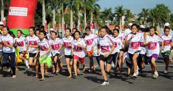Hơn 2.000 vận động viên tham dự Giải Việt dã truyền thống Báo Quảng Nam ảnh 1