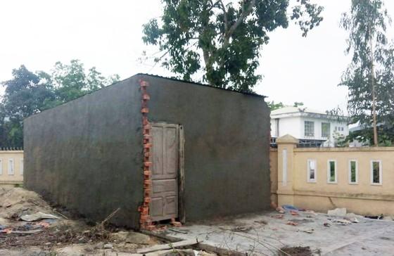 """Vụ """"Bùng phát nhà trái phép"""" ở Đà Nẵng: Nguyên cán bộ địa chính phường Hoà Khánh Nam bị bắt ảnh 1"""
