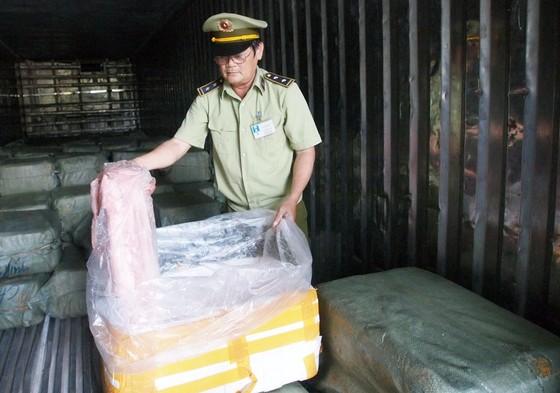 Phát hiện hơn 6,5 tấn thịt có dấu hiệu phân hủy đang trên đường vào TPHCM ảnh 2