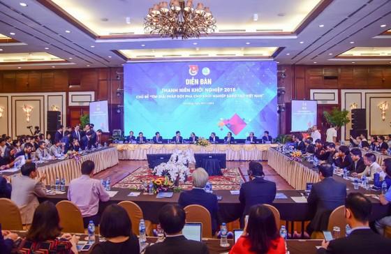 Thủ tướng Chính phủ Nguyễn Xuân Phúc tham dự Diễn đàn Thanh niên khởi nghiệp 2018 ảnh 1