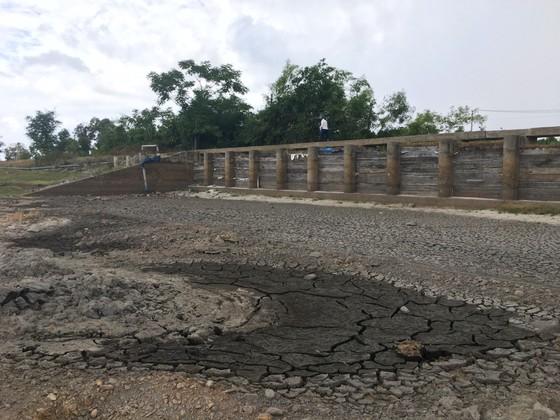 Quảng Bình: Hồ chứa nước cạn kiệt, 4.500 hộ thiếu nước sạch ảnh 2