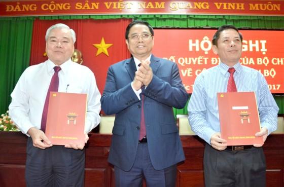 Công bố quyết định của Bộ Chính trị về công tác cán bộ tại tỉnh Sóc Trăng ảnh 1