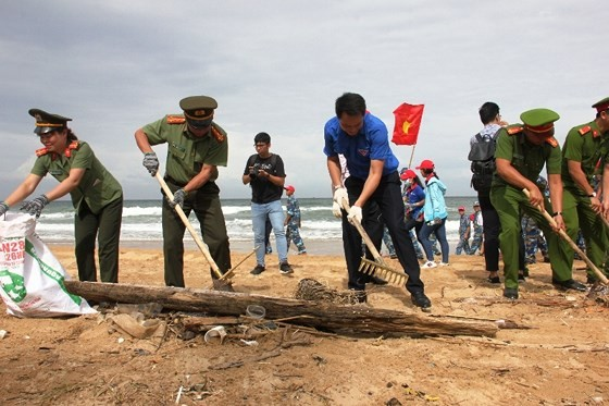 """Lễ ra quân Chiến dịch """"Hãy làm sạch biển"""" năm 2018  ảnh 1"""