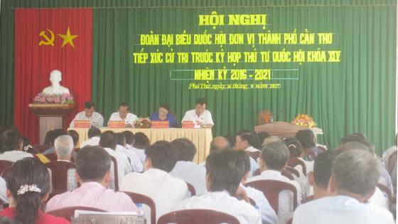 Chủ tịch Quốc hội Nguyễn Thị Kim Ngân tiếp xúc cử tri Cần Thơ  ảnh 1