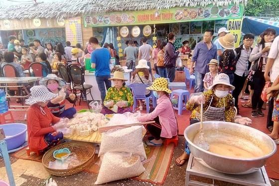 Hơn 500.000 người dự lễ hội Bánh dân gian Nam bộ, doanh thu 250 tỷ đồng ảnh 1