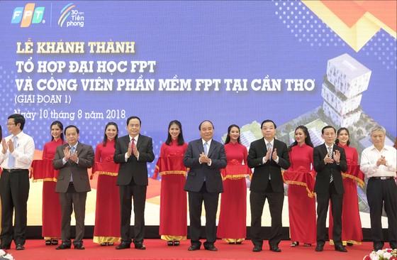 Thủ tướng Nguyễn Xuân Phúc dự khánh thành Tổ hợp Đại học FPT Cần Thơ ảnh 1