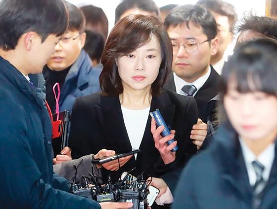 Hàn Quốc lún sâu vào khủng hoảng kép ảnh 1
