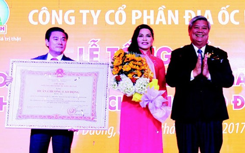 Kim Oanh nhận Huân chương Lao động hạng Ba ảnh 1
