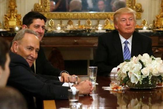 Tổng thống D.Trump gặp CEO 3 hãng xe hàng đầu ảnh 1