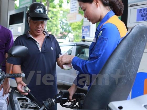 Xăng, dầu đồng loạt tăng giá kể từ 15 giờ ảnh 1