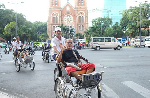 DN du lịch TPHCM đối mặt nhiều khó khăn ảnh 1