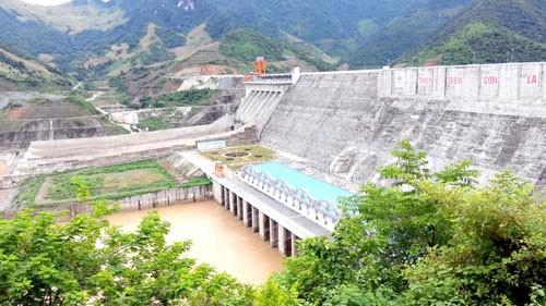 Áp lực cung ứng điện mùa khô ảnh 1