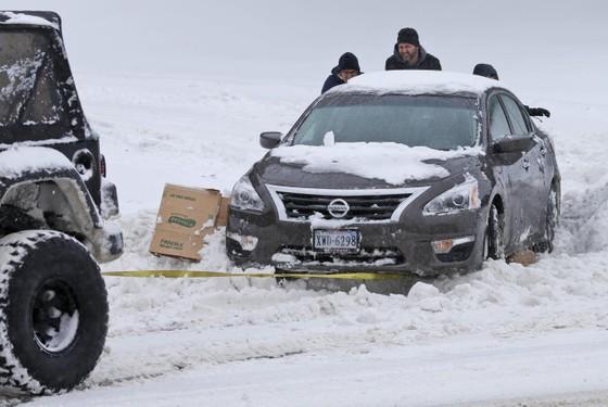 Bão tuyết: 30 người chết, thiệt hại 3 tỷ USD ảnh 1