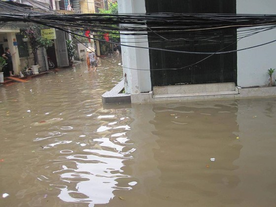 Cảnh báo nguy hiểm về điện trong mùa mưa ảnh 1
