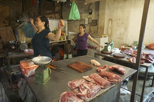 Nhảy Aerobic trong chợ ở Hà Nội ảnh 4