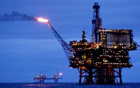 Giá dầu tăng khi Hoa Kỳ nới lỏng xuất khẩu ảnh 1