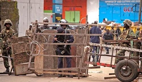 Ebola tấn công nền kinh tế ảnh 1