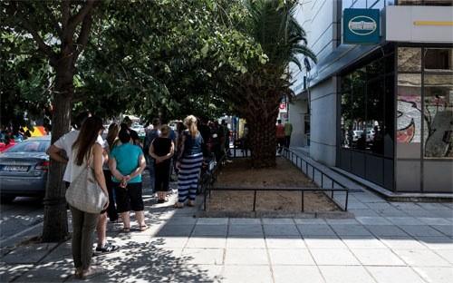 Hy Lạp đóng cửa hàng loạt ngân hàng ảnh 1
