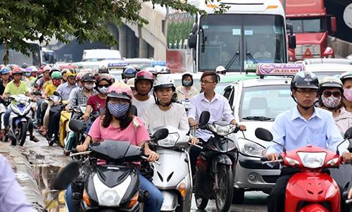 Nhất trí dừng thu phí bảo trì đường bộ với môtô ảnh 1