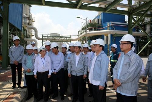 Phó Thủ tướng kiểm tra các dự án điện Thái Bình ảnh 1