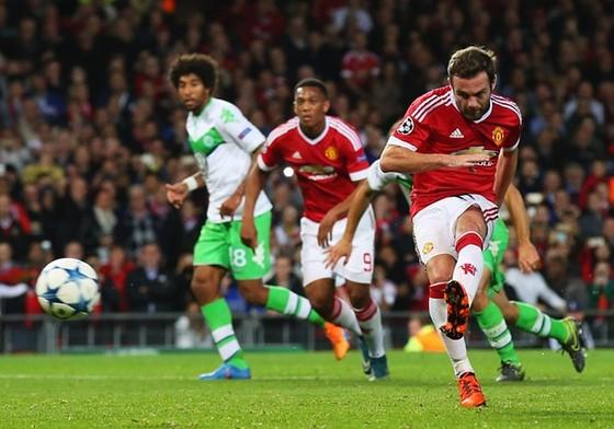 Man Utd 2-1 Wolfsburg: Tuyệt đỉnh Mata ảnh 1