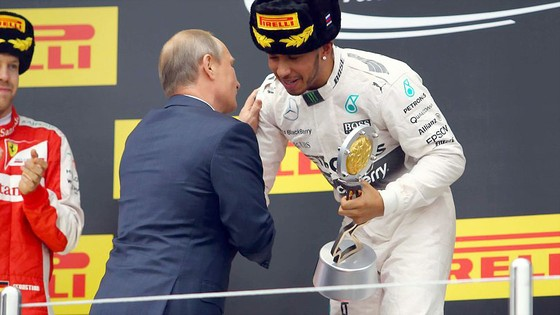Lewis Hamilton tiến gần chức Vô địch F1 ảnh 2
