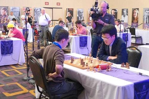 Quang Liêm thành tỷ phú nhờ chơi cờ vua ảnh 1