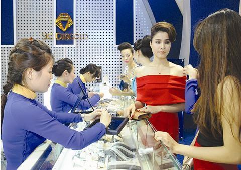 180 gian hàng tại Hội chợ Quốc tế trang sức VN ảnh 1