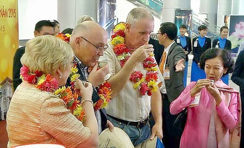 Việt Nam cấp visa 1 năm khách du lịch Hoa Kỳ ảnh 1