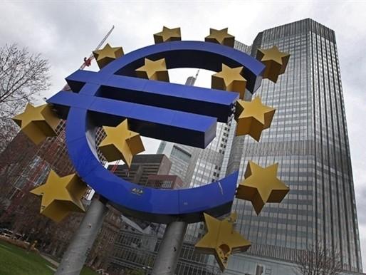 ECB hạ lãi suất xuống âm 0,3% ảnh 1