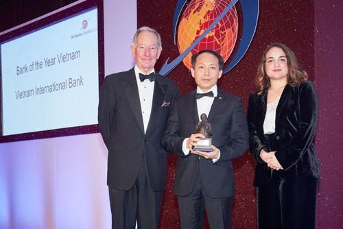 VIB nhận giải Bank of the Year 2015 ảnh 1
