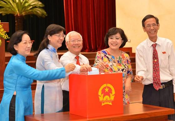 Ông Nguyễn Thành Phong trúng Chủ tịch UBND ảnh 1