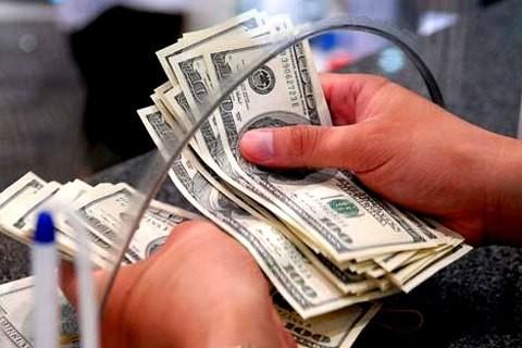 USD ngân hàng kịch trần, tự do chạm 22.740 đồng ảnh 1