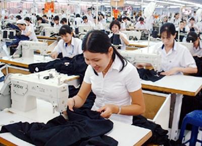 Xuất khẩu dệt may cán mốc 20 tỉ USD ảnh 1