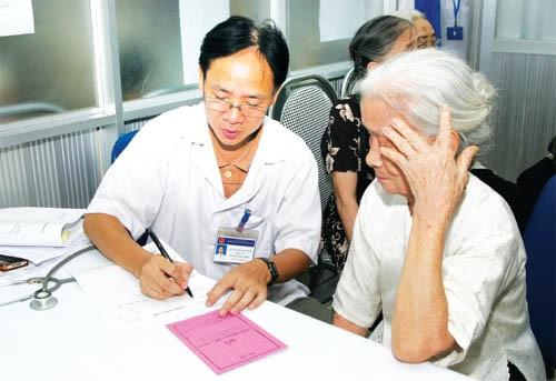 Người dân TPHCM thọ bình quân 76,2 tuổi ảnh 1