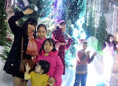 Hà Nội mưa rào, rét 16 độ, Sài Gòn mát mẻ ảnh 1
