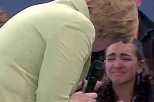 Cô bé nhập cư khóc, TT Đức cho ở thêm 2 năm ảnh 1