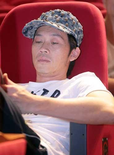 """Hoài Linh: """"Biết xuất hiện nhiều, nhưng tôi cần tiền"""" ảnh 1"""