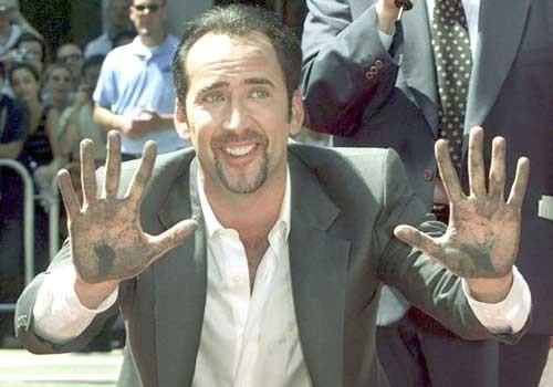 Nicolas Cage trả lại sọ khủng long hóa thạch ảnh 2