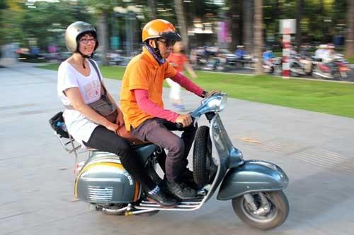 Xe ôm đứng đường ở Sài Gòn hết thời ảnh 1