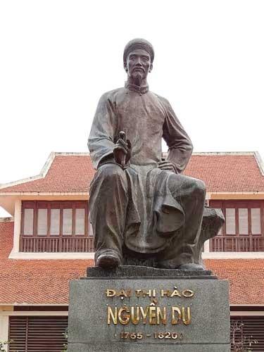 Nguyễn Du trước ngã ba đường lịch sử và văn học ảnh 1