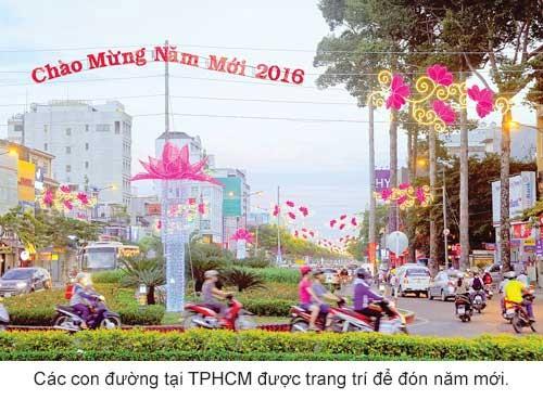 TPHCM nhộn nhịp năm mới ảnh 1